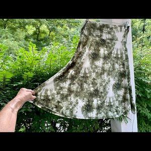 EUC Lularoe Long Skirt Beautiful Green